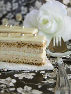 kras kocke by Marijafilakov Baking Recipes, Cookie Recipes, Kolaci I Torte, Torte Cake, Croatian Recipes, Little Cakes, Desserts To Make, Sweet Cakes, Cream Recipes