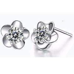 Boucle d'oreille faux diamant
