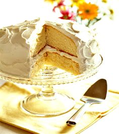 Easy white cake recipe - creamy rich texture and absolutely delicious! #cake Recipe found on Ducks n a Row