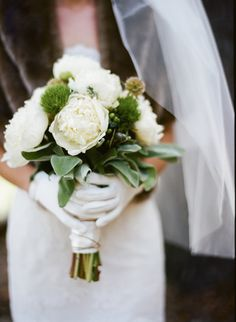 gorgeous green and white winter bouquet // photo by BraedonsBlog.com