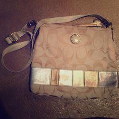 Signature coach crossbody bag *Authentic* Signature coach body bag. Great condition. Coach Bags Crossbody Bags
