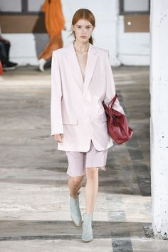Tibi Spring 2019 Ready-to-Wear Fashion Show Collection: See the complete Tibi Spring 2019 Ready-to-Wear collection. Look 25 Ny Fashion Week, Fast Fashion, Runway Fashion, Spring Fashion, Autumn Fashion, Fashion Outfits, Fashion Trends, Leotard Fashion, Fashion Silhouette