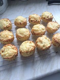 Joy's big fat diary: Syn Free Cheese Scones Not tried - but going to! Slimming World Menu, Slimming World Desserts, Slimming World Recipes Syn Free, Syn Free Food, Slimmimg World, Cheese Scones, Cheese Muffins, Food And Drink, Cooking Recipes