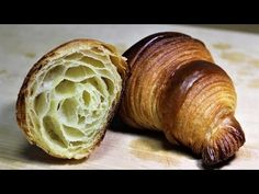 Homemade Croissant(No machine Easy Recipe) Cookie Dough Recipes, Pastry Recipes, Butter Pastry, Homemade Croissants, Kfc Secret Recipe, Croissant Recipe, Savory Scones, Seasonal Food, Pizza