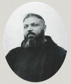 Padre Paolino di Tomaso da Casacalenda (1886-1964); nel 1916, da guardiano, portò Padre Pio nel convento di San Giovanni Rotondo; lo era ancora il 20 settembre 1918, quando il Padre ebbe le stimmate permanenti. Fu Ministro provinciale dal 1944 al 1950