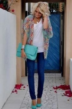 first time EVER i have thought an outfit with skinny jeans looked adorable!  if only i had sticks for legs
