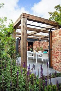 The pergola kits are the easiest and quickest way to build a garden pergola. There are lots of do it yourself pergola kits available to you so that anyone could easily put them together to construct a new structure at their backyard. Pergola Patio, Pergola Canopy, Wooden Pergola, Backyard Patio, Backyard Landscaping, Timber Pergola, Pergola Carport, Cheap Pergola, Timber Beams