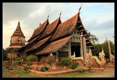 Temple in Chiang Mai, Thailand. Amazing Buildings, Old Buildings, Chiang Mai, Thailand Travel, Traditional House, Southeast Asia, Bangkok, Barcelona Cathedral, Places Ive Been