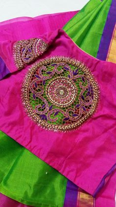 blouse designs What are the most popular wedding favors? The last thing a bridal couple should need Simple Blouse Designs, Stylish Blouse Design, Blouse Back Neck Designs, Silk Saree Blouse Designs, Bridal Blouse Designs, Cut Work Blouse, Maggam Work Designs, Designer Blouse Patterns, Salwar Designs