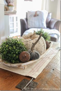 Fall Mantel Decor by Unskinny Boppy