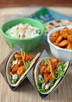 These Buffalo Chicken Tacos are flavorful, healthy, easy weeknight meal everyone will love! Just 123 calories or 3 Weight Watchers SmartPoints each! Use a low carb tortilla for a lower carb meal Ww Recipes, Healthy Dinner Recipes, Healthy Snacks, Cooking Recipes, Healthy Dinners, Macro Recipes, Traeger Recipes, Cooking Hacks, What's Cooking