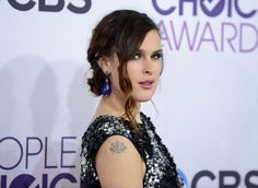 People's Choice Awards: Rumer Willis channeled some of mother Demi Moore's oomph in a black and silver sequined dress
