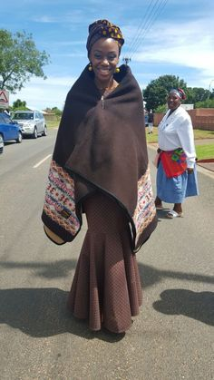 Seanamarena blanket on bride. Sesotho Traditional Dresses, Traditional Wedding, African Fashion, Women's Fashion, Shweshwe Dresses, African Weddings, African Prints, Wishful Thinking, African Dress