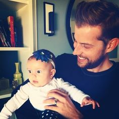 Andrew McMahon and his daughter ^_^