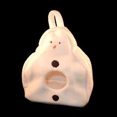 Super koele sneeuwpop voor vogeltjes of andere kleine huisdiertjes van Drokkies.nl Christmas Ornaments, Holiday Decor, Christmas Jewelry, Christmas Ornament, Christmas Baubles