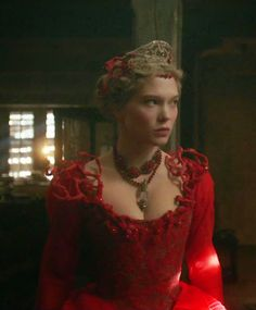 Theatre Costumes, Movie Costumes, Beauty And The Beast Costume, Lea Seydoux, Fairy Tale Costumes, Beauty And The Best, Beautiful Costumes, French Beauty, Iconic Movies