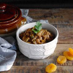 Slow Cooker Chicken & Chickpea Tagine (GF w/ Vegan Option) via Nutritionist in the Kitch
