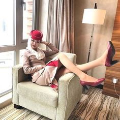 Emirates Cabin Crew, Emirates Airline, Up Skirt Pics, Airplane Photography, Flight Attendant Life, Airline Flights, High Class, Single Women, Asian Girl