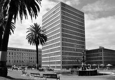 'Treasury'. MacArthur Street, Melbourne. © G.C. Campbell.