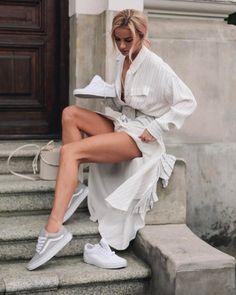 "Polubienia: 28.6 tys., komentarze: 205 – Julia K. (@maffashion_official) na Instagramie: ""#venezia #maffashioninvenezia #dress #sugarfree #bag #furla #beret #stradivarius #redjacket ph…"""