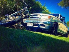 2006 Harley Davidson Chopper  2002 Sr5 Toyota Hilux  Slammed Mini Truck #miniTruckin
