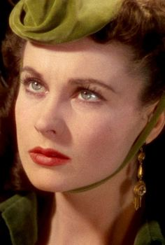 Vivien Leigh ~ Gone with the Wind, She was such a beauty. Hollywood Icons, Golden Age Of Hollywood, Hollywood Glamour, Classic Hollywood, Old Hollywood, Hollywood Actresses, Rhett Butler, Scarlett O'hara, Vivien Leigh
