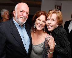 Tony Award-winning director/producer Harold Prince and legendary comedian Carol Burnett congratulate Linda Lavin (center) on her opening night at 54 Below.(© Cindy Ord/Getty Images for 54 Below)