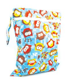 LC Pals - Bumkins Waterproof Wet / Dry Bag, $14.99 (http://www.lcpals.com/bumkins-waterproof-wet-dry-bag/)