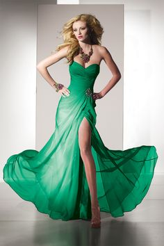 Green Prom Dresses | Prom dresses. Prom queen fit for your 2013 Prom theme.