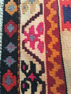 Native Design, Bead Weaving, One Color, Home Deco, Loom, Bohemian Rug, Design Inspiration, Textiles, Tapestry