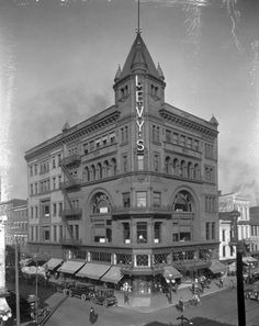 1921 - Levy Bros. store at 3rd and Market Street. University of Louisville Photographic Archives