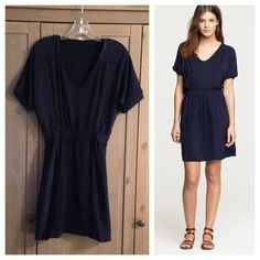 J. Crew Hideaway Dress Navy silk/cotton blend comfy dress. Size xs. Laying flat measurements are: bust 17 inches, waist 13 inches. Length from shoulder to hem is 34 inches. J. Crew Dresses
