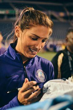 Alex Morgan 04.20.16