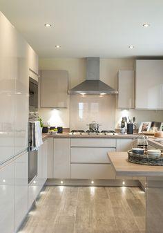 Kitchen Ceiling Design, Kitchen Room Design, Kitchen Cabinet Design, Kitchen Layout, Home Decor Kitchen, Interior Design Kitchen, Home Kitchens, High Gloss Kitchen Cabinets, White Glossy Kitchen