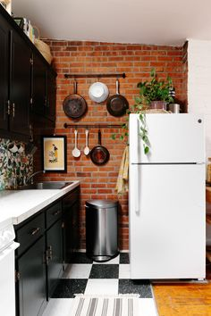 Rental Apartment Kitchen Ideas Tara's Budget Rental Remodel $300 Later This Rental Kitchen Is