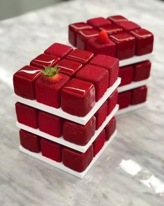 almost too beautiful to eat - Rubik Cube Cake by Cedric Grolet - KickAss Things Cupcakes, Cupcake Cakes, Fancy Desserts, Delicious Desserts, Grolet, Elegant Cakes, Chocolate Hazelnut, Love Cake, Pretty Cakes