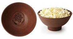 Catherine Smith has ingeniously devised the Kernel Filtering Popcorn Bowl that keeps out those unsavory kernels with a relatively simple design component. Free Popcorn, Popcorn Bowl, 2014 Kitchen Trends, How To Eat Less, Baking Tips, Kitchen Gadgets, Kitchen Utensils, Things To Buy, Fun Things