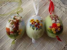 3 Needle felting  easter eggs with spring by ElisFeltCraft on Etsy, $25.00