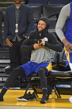 and along with members of the Golden State Warriors participants in media day on Tuesday June 4 at OracleArena. Curry Warriors, Warriors Stephen Curry, Stephen Curry Basketball, Basketball Players, Steph Curry 3, Stephen Curry Pictures, Golden State Warriors Pictures, Cute Rappers, Nba Champions
