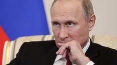 Rusya Devlet Başkanı Putin, ABD istihbarat güçlerinin Türkiye'deki darbe girişiminden haberdar olabileceğini söyledi. 'The Putin Interviews' (Putin Röportajları) belgesel filmi için ABD'li ünlü yönetmen Oliver Stone'a demeç veren Putin, 15 Temmuz darbe girişimine ilişkin şu ifadeleri kullandı:   #15 temmuz #abd #darbe #istihbarat #putin #Türkiye