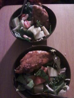 Paleo Chicken with Honey Glaze:  This is very simple, I just used Honey Bear honey to coat the chicken about 1 minute before removing from pan.  Salad: Baby Spinach, Iceberg Lettuce, Tomatoes, Cucumbers, Green Apples, Mushrooms, Shredded Carrots, Green Peppers, Almonds, Cranberries, topped with Olive Oil Vinegarette Salad Dressing