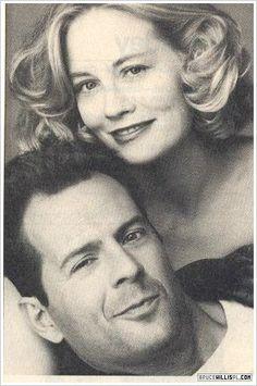 Best Tv Series Ever, Bruce Willis, Moonlight, Bing Images, It Cast, March, Couple Photos, Gatos, Couple Shots
