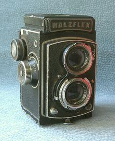 "Medium format twin-lens reflex camera ""Valzfleks"", IIIA model. Japan, 1958."