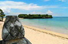 Praia de Nusa Dua, na Península de Bukit - Foto: Ticiana Giehl e Marquinhos Pereira/Desempacotados