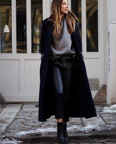 www.helloshopping.de, navy wool coat, dunkelblauer wollmantel, klassiker, sale, trends, winter, business, feminine, style, streetstyle, berlin, wharf harris london, galeries lafayette, fashion blogger, how to wear, styling tipps, get the look, hello shopping, stand lederhosen mit bundfalten, jades24, hugo boss wood bootie, chunky knit sweater, asos