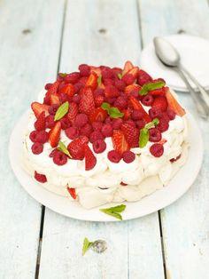 Summer berry pavlova  A classic summertime pud  Read more at http://www.jamieoliver.com/recipes/fruit-recipes/summer-berry-pavlova//?utm_source=social&utm_medium=RecipeOftheDay&utm_term=2015#BtgRlJVSddoUPQck.99