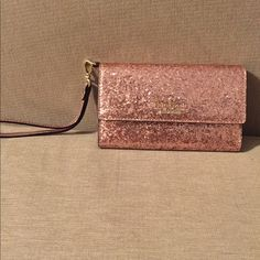 Kate spade rose gold glitter bug wristlet Brand new !!! Fits an iPhone 6/s perfectly. It has 5 Credit card slots and lovely mirror. kate spade Bags Clutches & Wristlets