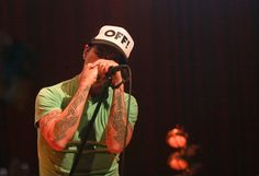 Google Image Result for http://stadium-arcadium.com/images/anthony-kiedis-obama-concert-house-of-blues-red-hot-chili-peppers-april-15th-2012-02.jpg