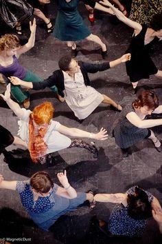 Le p´tit bal contemporain.  Création de Valérie Glo Photo de Magneticdust