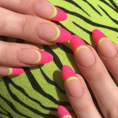 Nailspiration: A French manicure met een twist Funky Nails, Neon Nails, My Nails, Neon Nail Art, Tribal Nails, Glitter Nails, French Manicure With A Twist, French Tip Nails, Colorful French Manicure